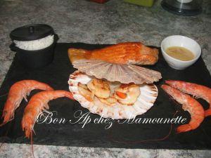 Recette Ardoise de la mer : coquilles st Jacques, saumon, crevettes, sauce au vinaigre de framboise et Handy et l'automne en Bretagne