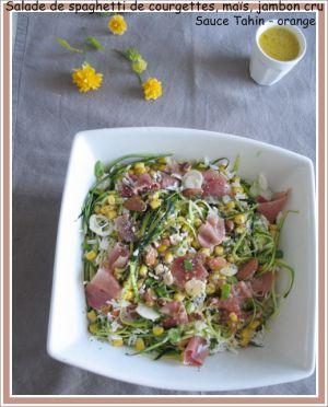 Recette Salade de spaghetti de courgettes, maïs, jambon cru, amandes et graines de chia ; sauce tahin - orange