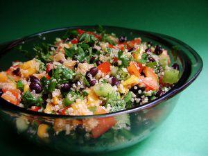 Recette Salade de quinoa, mangue et haricots noirs