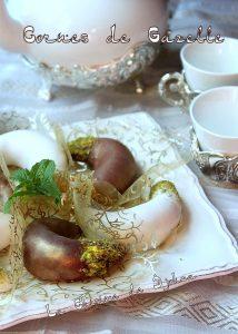 Recette Cornes de gazelle au glaçage royal chocolat