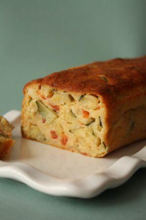 Recette Cake aux tomates & courgettes