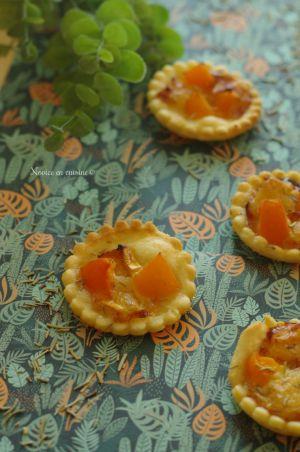 Recette Tartelettes abricots, chèvre, miel et romarin
