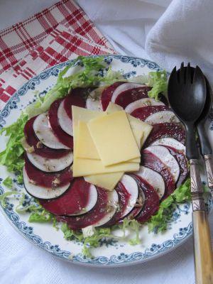 Recette Salade de betteraves au comté & au radis noir