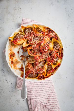 Recette Conchiglioni farcis au boeuf épicé et sauce tomate pimentée