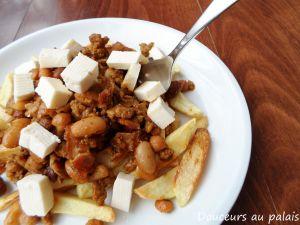 Recette Chili au porc et aux haricots à oeil noir, façon poutine