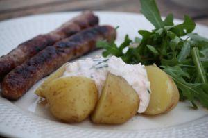 Recette Pommes de terres nouvelles, sauce fromage blanc & radis roses