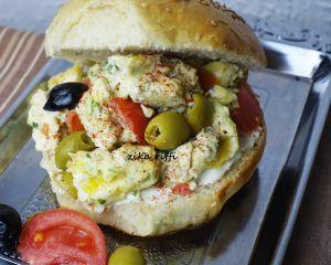 Recette Hamburgers merguez œufs brouillés et viande hachée pour la plage