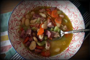 Recette Soupe paysanne aux haricots blancs et au jambon