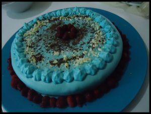 Recette Gâteau aux framboises et pâte à sucre