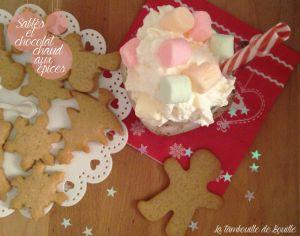 Recette Sablés de Noël à la pâte de spéculoos et chocolat chaud aux épices, chantilly et mini chamallow