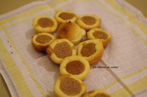 Recette Mini tartelettes sphériques et sablées à la purée d'amande-mandarine-cannelle