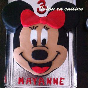 Recette Gâteau Minnie en pâte à sucre