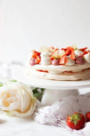 Recette Pavlova fraises et fleur de sureau
