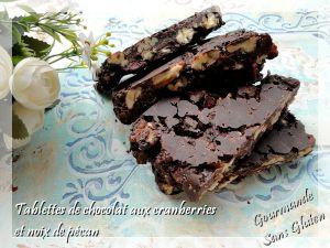 Recette Tablettes de chocolat maison, aux cranberries et noix de pécan caramélisées