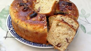 Recette Brioche aux dattes, noix et miel