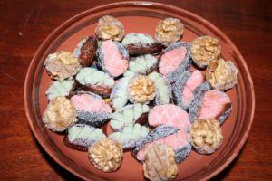Recette Friandises de Noël...fruits déguisés (dattes, noix et pruneaux)