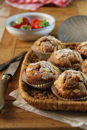 Recette Muffins aux fraises, pomme et amandes