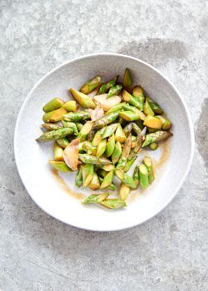 Recette Wok d'asperges vertes au gingembre