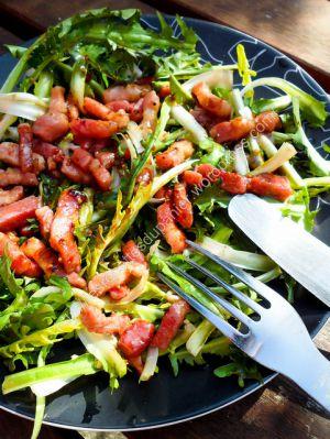 Recette Salade de pissenlit avec sa vinaigrette au miel et à la moutarde / Dandelion Salad with its Honey and Mustard Dressing