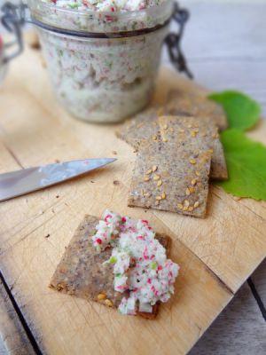 Recette Rillettes végétariennes aux radis roses, biscuits apéritifs au sarrasin