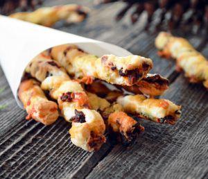 Recette Pailles au Bacon, Dattes et Cheddar