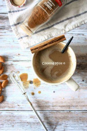 Recette Café au lait d'amande et à la cannelle