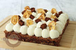 Recette Brownie choco-pécan, bananes caramélisées et chantilly