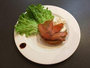 Recette Galette de quinoa, saumon fumé et crème fouettée citron vert