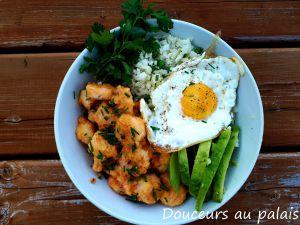 Recette Bol de riz de chou-fleur, crevettes épicées et oeuf frit