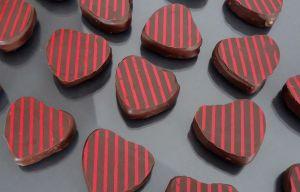 Recette Chocolats fins : coeurs pâte d'amande