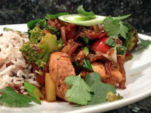 Recette Wok de poulet au brocoli et riz 3 couleurs