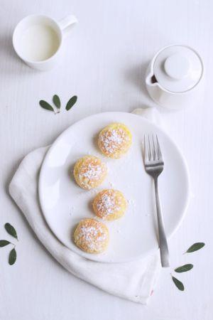 Recette Petits choux craquelin aux deux citrons et à la fleur de sureau