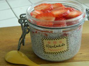 Recette { En-cas} Chia pudding à la fraise