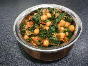 Recette Feuilles – Curry de pois chiches, épinards et tomates (chana saag)
