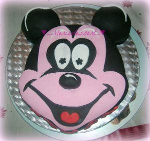 Recette Gâteau mickey en pâte a sucre