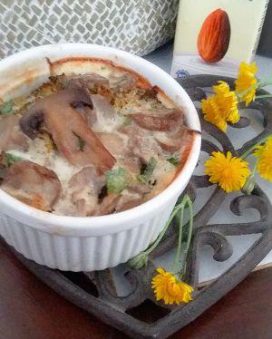 Recette Gratin pas comme les autres: mes petits gratins veggies gourmands de brocolis et de champignons au lait d'amande et parmesan