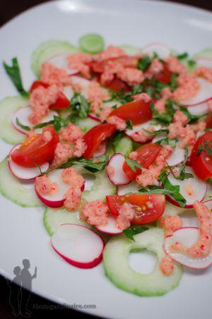 Recette Carpaccio de radis et de concombre à la vinaigrette rose