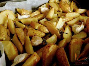 Recette Frites rustiques au four à l'ail et au romarin (sans friture)