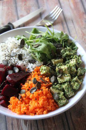 Recette Tofu mariné au pesto de roquette, riz, carottes & betterave