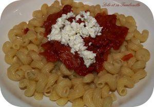 Recette Pâtes à la sauce tomate, chorizo & féta