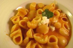 Recette Pâtes à la sauce tomate et mozzarella