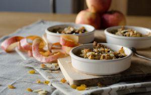 Recette Crumble d'automne aux pommes, poires & raisins secs