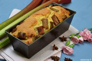 Recette Cake rhubarbe badiane orange et le printemps en rose à Chantilly