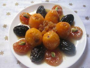 Recette Nèfles farcies aux amandes et aux dattes
