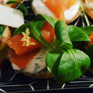 Recette Blinis sauce mojito, mâche, truite fumée et son zeste de citron