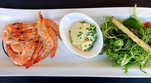 Recette Assiette de Crevettes roses, Mayonnaise et Salade
