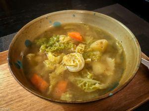Recette Lyrisme et umami – Soupe de chou vert frisé au miso