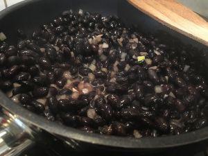Recette Steaks de haricots noirs et pains au kamut