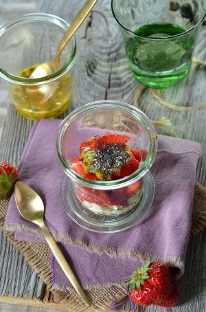 Recette Verrine fraises, ricotta, fruit de la passion et graines de chia