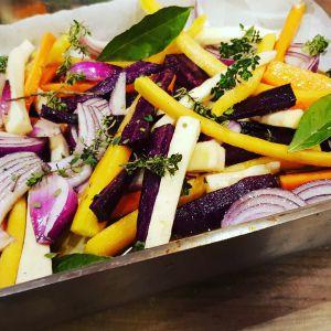 Recette Carottes de couleurs et panais rôtis au sirop d'érable